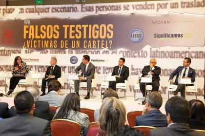 Panelistas del Foro.