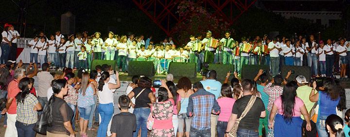 Becados-Fundacion-FLV-y-Claro-Colombia